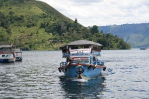 lake-toba-ferry