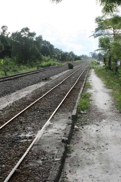 train-tracks-indonesia