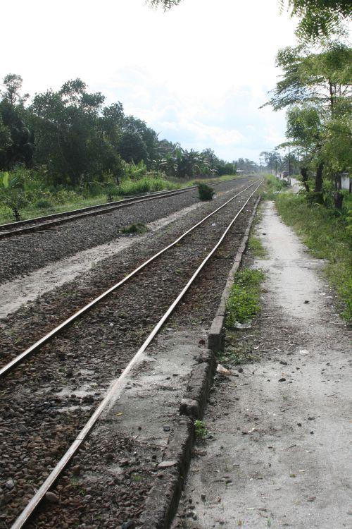 train-tracks-indonesia